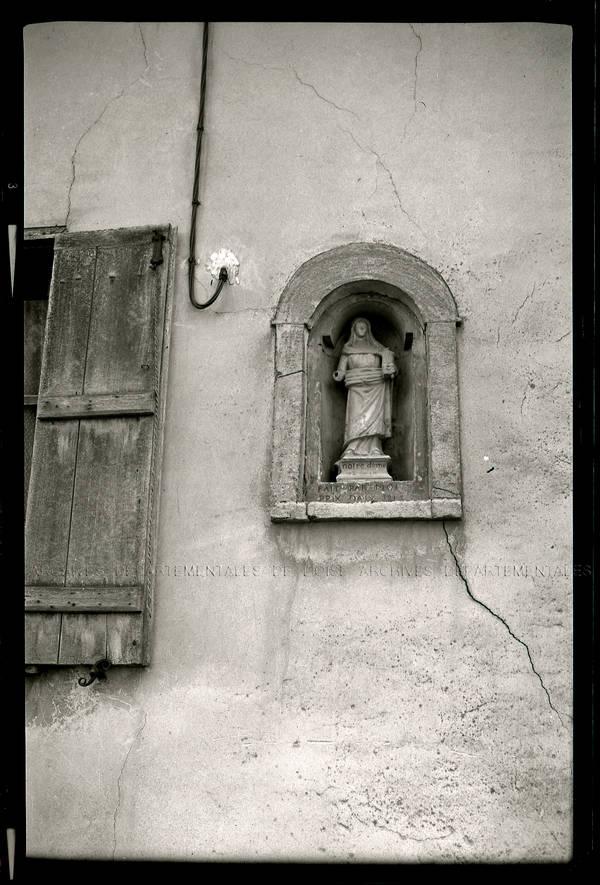 """""""Hédencourt (Saint-André-Farivillers) – Statuette de la Paix"""""""