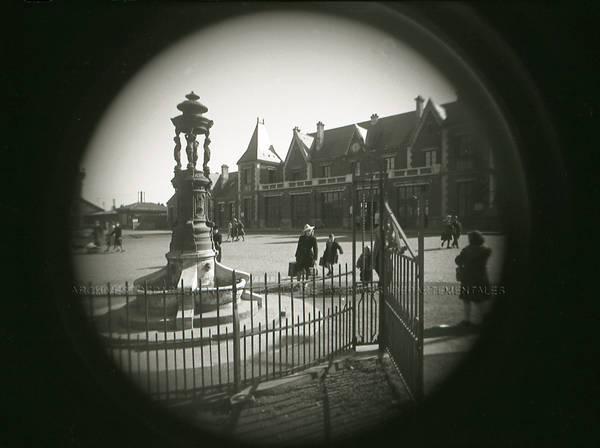 """""""Fontaine de la Gare près du kiosque"""""""