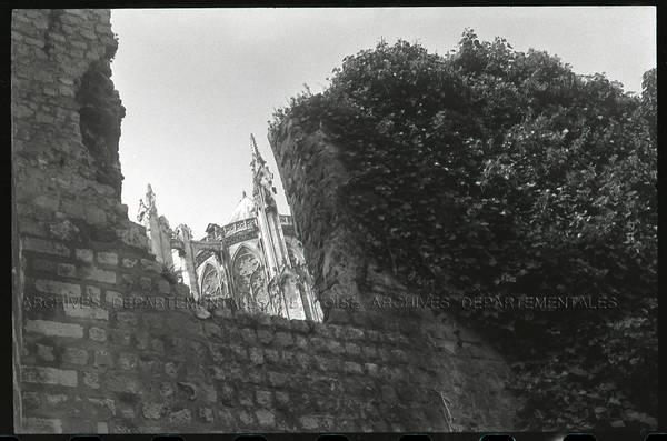 """""""Vieux four à Saint-Germain-la-Poterie – sondage four 14e"""" Beauvais, enceinte gallo-romaine"""