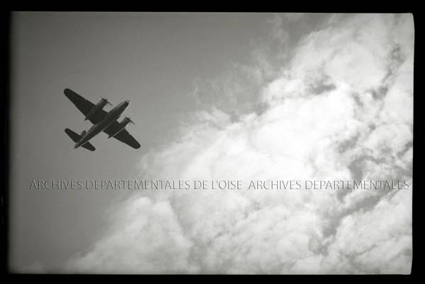 """""""Avions US Marauder décollant ou atterrissant à Tillé"""""""