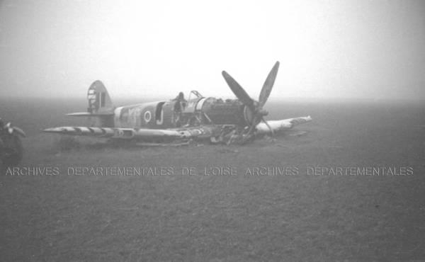 """""""Epave chasseur Typhoon tombé à Laversines 29 Août 1944"""""""
