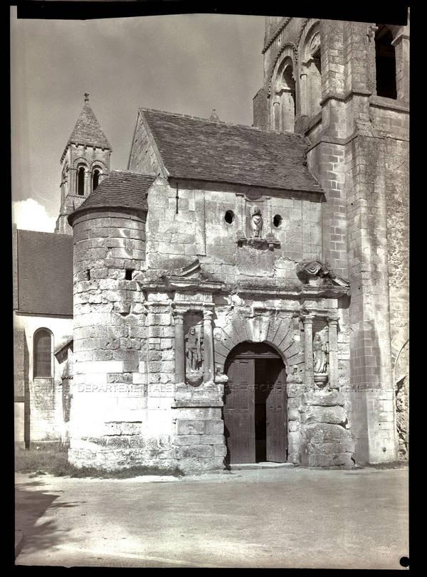 """""""Eglise de Morienval (Oise) – 2 vues des trois clochers"""""""