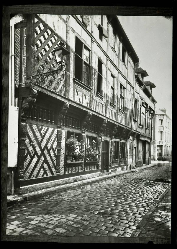 """""""Maison rue Saint-Laurent au 19ème et restaurée – Photographies des monuments historiques"""""""