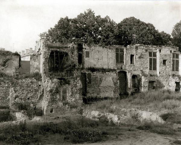 Beauvais, mur gallo-romain